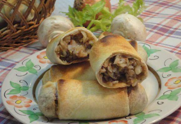 Рецепт пісних пиріжків з гречкою і печерицями