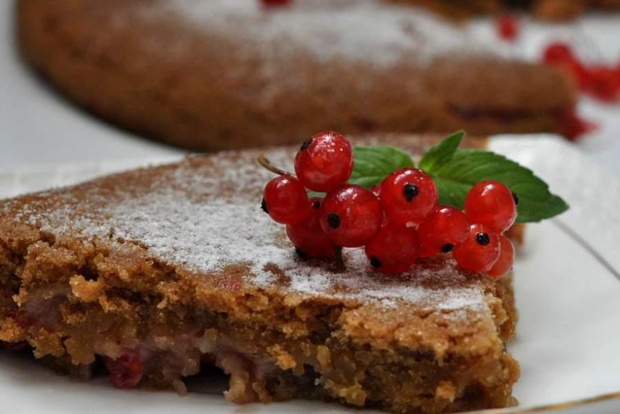 Пирог с красной смородиной в мультиварке рецепт с