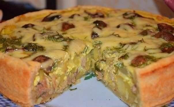 Пирог с яйцами и курицей
