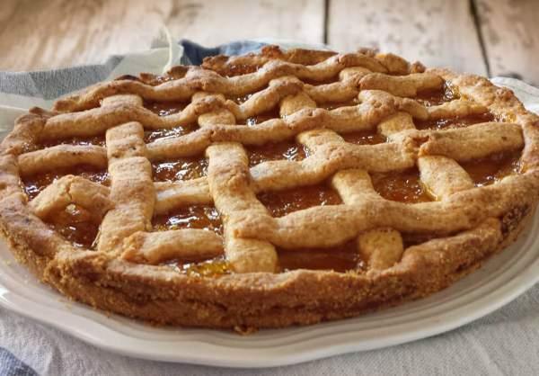 Пирог с вареньем на маргарине